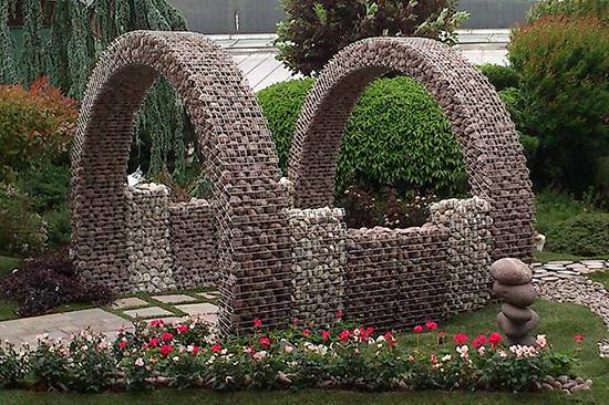 Mesh Gabion Baskets As Retaining Walls