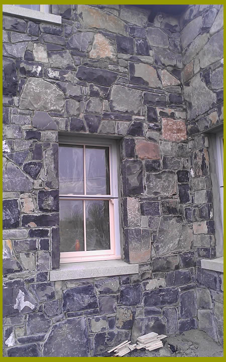 Stone.House.With.Cutstone.Archway.Cladding3.440.by.720